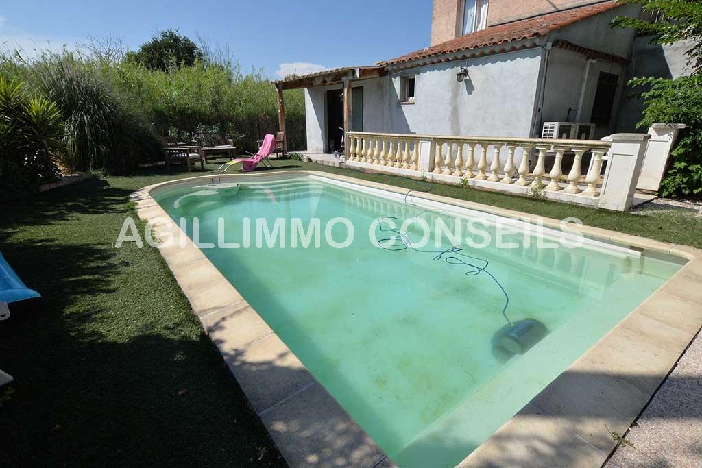 Rez-de-villa avec jardin et piscine - PUGET SUR ARGENS