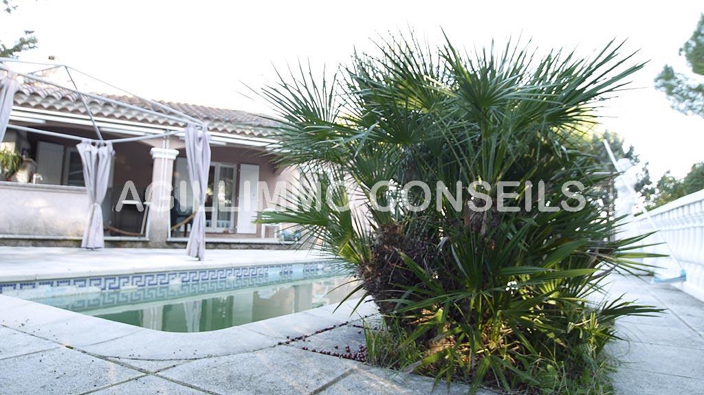 Villa 4 pièces de 100 m2 - PUGET SUR ARGENS