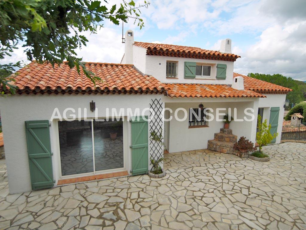 Villa composée de 2 logements dans quartier très calme - PUGET SUR ARGENS