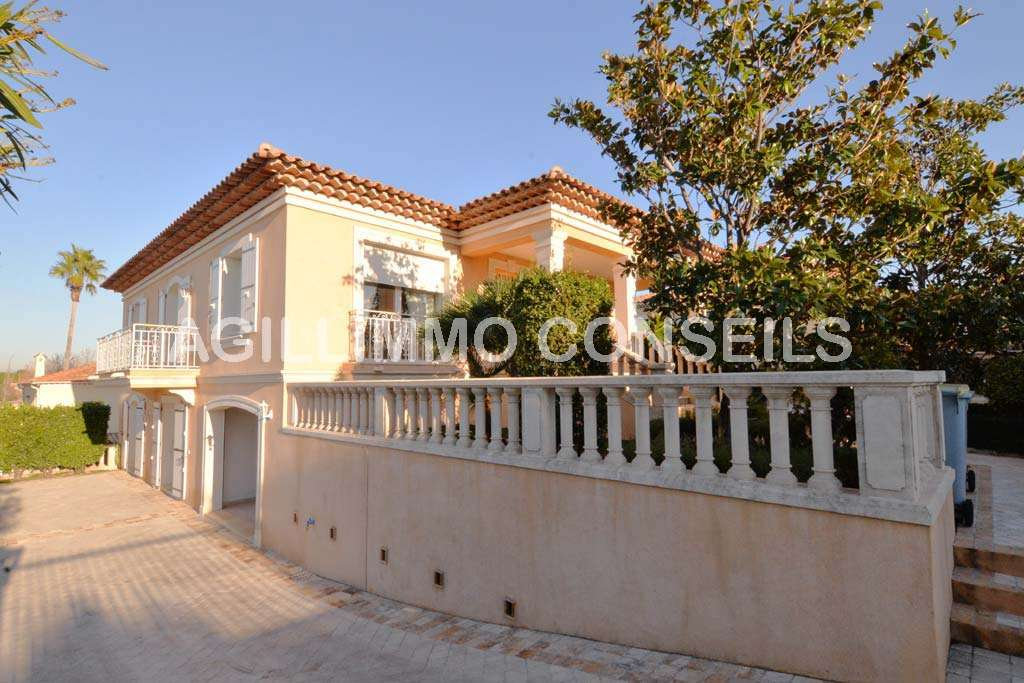 Belle Maison individuelle 2 logements - PUGET SUR ARGENS