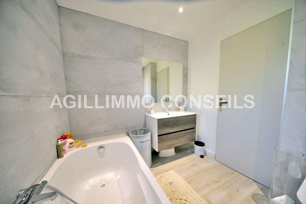 Villa 5 Pièces - 4 chambres - Garage - Piscine  - PUGET SUR ARGENS - Var 83