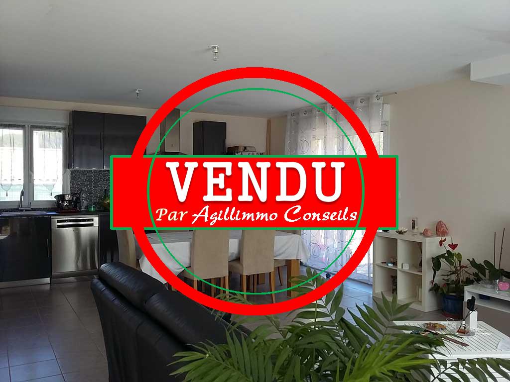 Exclusivité villa 3 chambres piscine sur 645 m2 terrain - PUGET SUR ARGENS