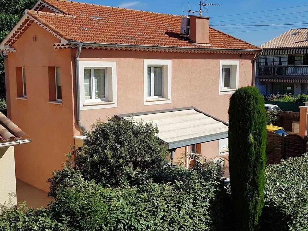 Villa comportant 2 appartements sur 240 M2 de terrain FREJUS
